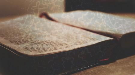 La Biblia, testamentos y origen judío